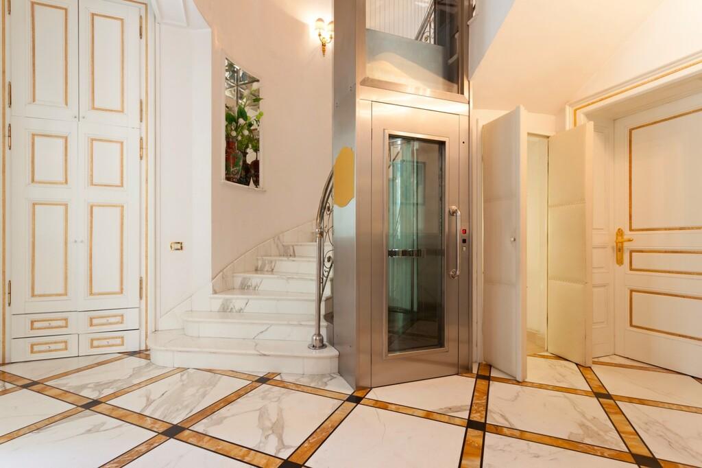憧れのホームエレベーター生活。リフォームのポイントは? limia リミア