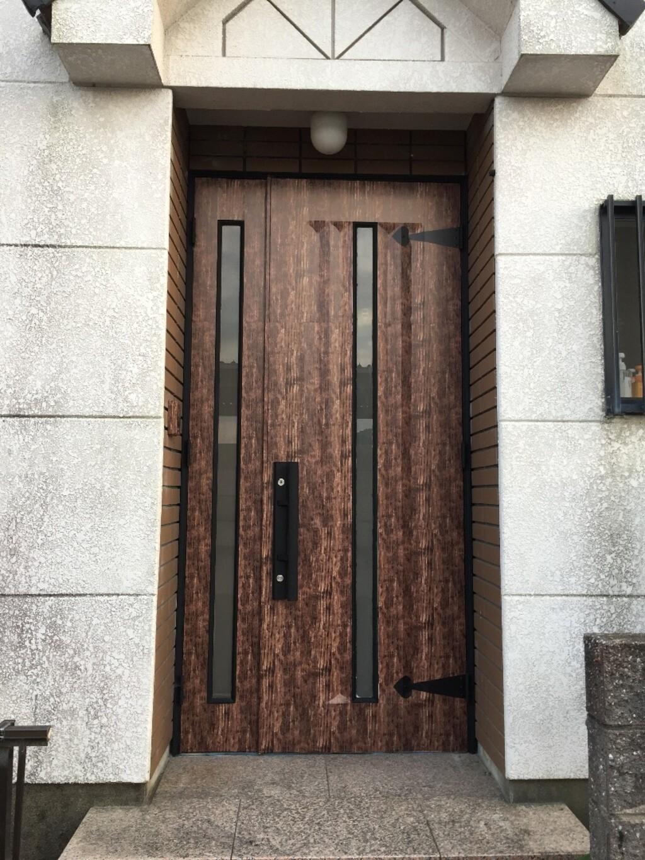 ダイソーのリメイクシートで玄関ドアを激安リメイク Limia リミア