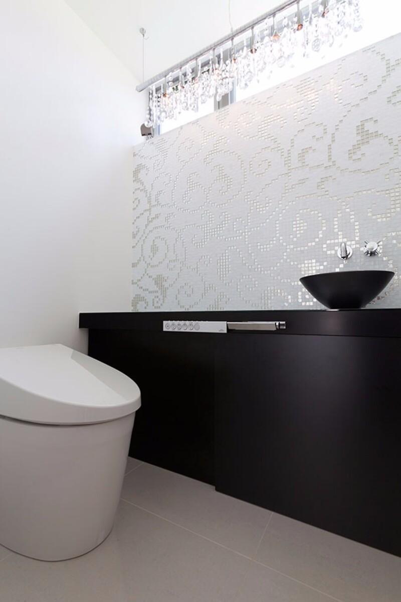 狭い空間だからこそ自由に おしゃれで快適な個性派トイレ空間のインテリア アイデア集 フリーダムな暮らし