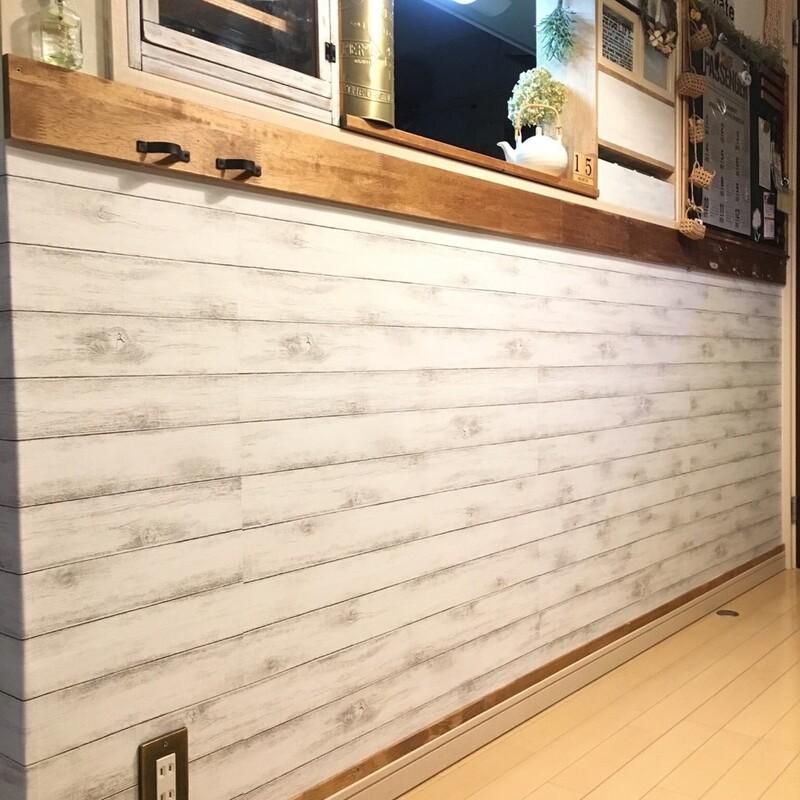 100均の壁紙で部屋をリメイクコスパよく簡単にできるdiyアイデア
