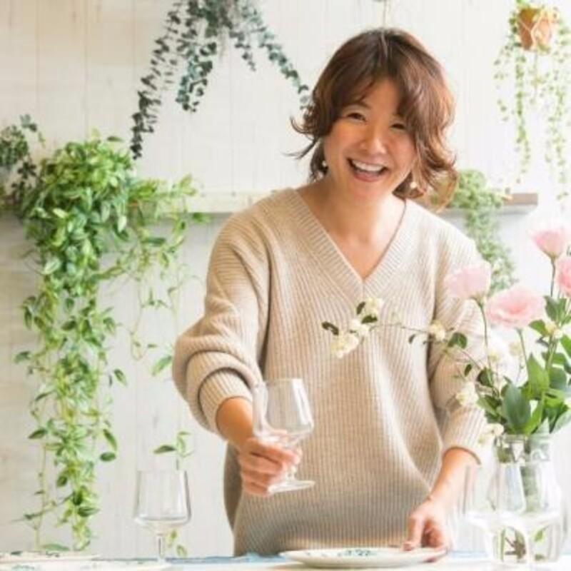アウトドア料理研究家 高松美里さん監修の鎌田醤油オリジナルBBQレシピから、炙りカツオポキの作り方をご紹介!