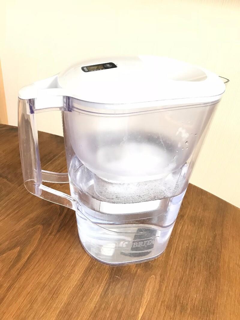 おいしい水のある暮らし アクリル浄水器
