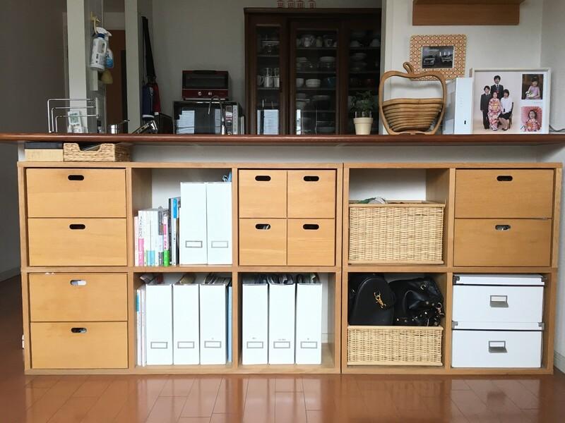↑「スタッキングシェルフ」とは無印良品(MUJI)が販売している機能的な「棚」の事です。