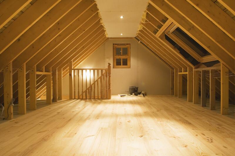 屋根裏収納リフォームの費用相場をご紹介!家の余ったスペースを有効活用しよう|limia リミア