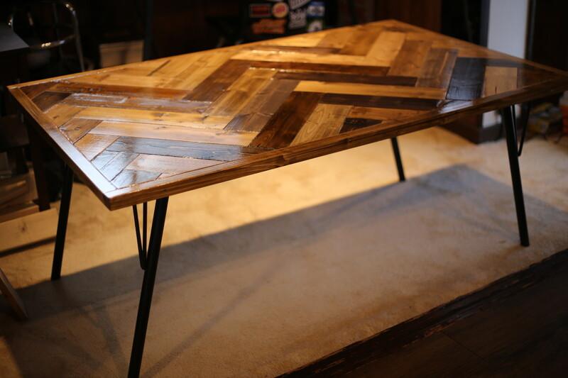 ヘリンボーンテーブルを安い1×4材で作る。〜DIYおじさんの家具作り本気編〜りんご箱を再生してミニベンチを製作! 〜DIYおじさんの簡単アレンジDIY〜
