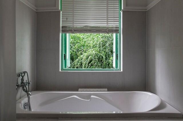 窓 目隠し 場 風呂 風呂場の窓が大きくて寒い、お風呂のリフォーム【5選】