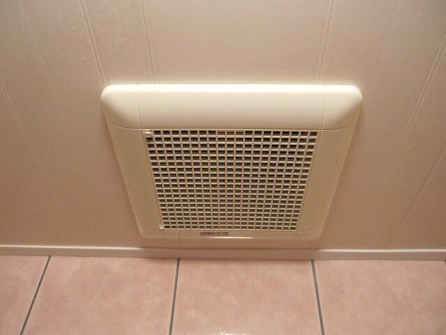 トイレ の 換気扇 の 掃除