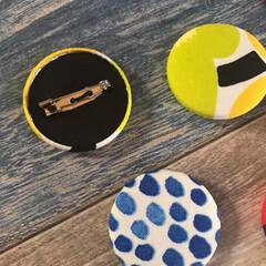 ヘアゴム/ブローチ/marimekko/雑貨/ハンドメイド くるみボタンでブローチとヘアゴム作ってみ…(2枚目)