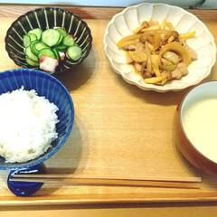 白山陶器 S型スープボール(450ml)&スープスプーン 茶マット ama-529842 | 白山陶器(スプーン)を使ったクチコミ「昨日の晩ごはん。 豚肉としめじの炒め物、…」