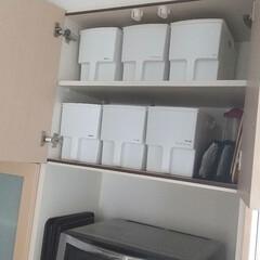 ストッカー/食器棚収納/食器棚/カップボード/カップボード収納/収納/... カップボードで一番高い場所の収納です。 …