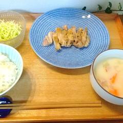 アラビア アベック プレート20cm ブルー ARABIA 24h Avec | 24h アベック(皿)を使ったクチコミ「昨日の晩ごはん。 鶏もも肉のソテー、クリ…」