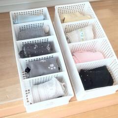収納/靴下/靴下収納/100均/ダイソー/セリア/... 子供の靴下は100円ショップの仕切り付き…