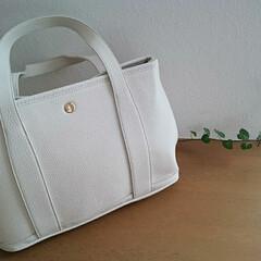 オシャレ/バッグ/令和の一枚/フォロー大歓迎/LIMIAファンクラブ/ファッション 最近お気に入りのバッグ💕 オフホワイトの…