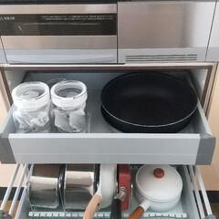 T-fal インジニオ ネオ IHステンレス エクセレンスセット9 ティファール | ティファール(圧力鍋)を使ったクチコミ「IH下の収納全景です。 大きなフライパン…」