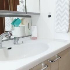 tower 吸盤トゥースブラシホルダー タワー 5連 ホワイト 3285 | TOWER(歯ブラシ立て)を使ったクチコミ「我が家の最近の洗面台フォトです。 歯ブラ…」