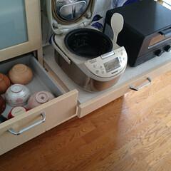 北欧ファブリック/お茶碗/キッチン/limiaキッチン同好会/キッチン収納/収納/... 家族のお茶碗は炊飯器の横の引き出しに収納…