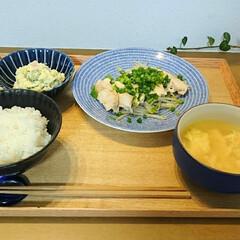節約レシピ/フォロー大歓迎/節約料理/鳥むね肉/晩ごはん/暮らし 昨日の晩ごはん。 鶏胸肉のソテーとポテト…