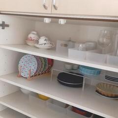 Wedgwood ワイルド・ストロベリー ティーカップ&ソーサー ピオニー | ウェッジウッド(マグカップ)を使ったクチコミ「カップボードの中の収納は今もこのような感…」
