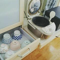 無印良品/お茶碗/食器棚収納/キッチン/収納 家族のお茶碗は炊飯器に一番近い場所に収納…