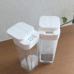 スパイスボトル ホワイト | TOWER(調味料ケース)を使ったクチコミ「私のオススメするキッチンアイテムはtow…」
