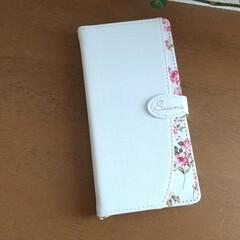 手帳型スマホカバー/スマホケース/花柄/リーズナブル/携帯カバー/携帯ケース/... スマホケースが古くなってきたので新しいも…
