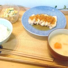 アラビア アベック プレート20cm ブルー ARABIA 24h Avec   24h アベック(皿)を使ったクチコミ「今日の晩ごはん。 鶏胸肉のソテー(玉葱ソ…」