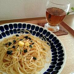 フォロー大歓迎/松茸の味お吸い物/お昼ごはん/パスタ/暮らし/節約 ある日のお一人様ランチ。 茹でたパスタに…
