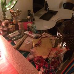 プレゼント交換/クリスマス それぞれ、たくさんプレゼントを用意して交…