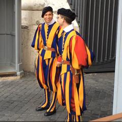 スイス衛兵隊/バチカン市国/ローマ/イタリア/おでかけ/Schweizer Garde 【バチカン市国】  ローマと言えばバチカ…