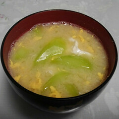 「このお味噌汁は胡瓜🥒のお味噌汁です😁 少…」(1枚目)