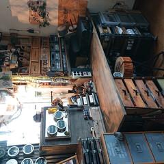 プリンター台/パソコンコーナー/ミシンがけも/ほぼDIYしたもの/道具箱/トタン波板/... ワークスペースほぼ完成形 もうチョットご…(2枚目)