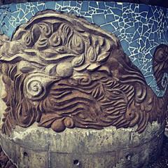 モルタル造形/モザイクタイル/ピザ窯 ピザ窯の土台を造形中。