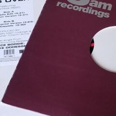 テーブル/ヘリンボーン/6畳/サーフスタイル/レコード/棚 レコードのある暮らし 懐かしいウェッサイ…(3枚目)