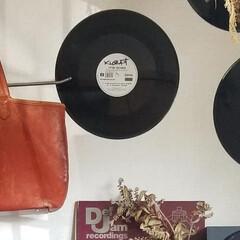 テーブル/ヘリンボーン/6畳/サーフスタイル/レコード/棚 レコードのある暮らし 懐かしいウェッサイ…(2枚目)