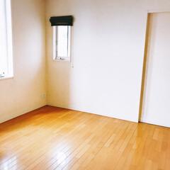 寝室 私の寝室。今日、新しいベッドが来ます。頑…