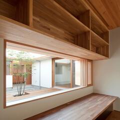 建築/住まい/インテリア/書斎/書斎コーナー/書斎スペース/... 中庭に面した家族共有の書斎コーナー。 造…