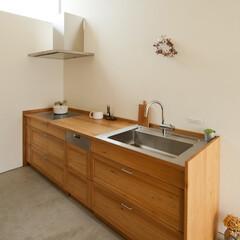 キッチン/家具/無垢材/クルミ/土間/住まい/... 家具職人が手掛けたクルミ材のキッチン。 …