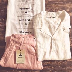 セール品/抜き襟/白シャツ/麻素材/夏コーデ/夏仕様/... ニコアンドで夏服を購入しました。 麻素材…