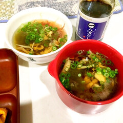 万能ネギ/かつお節/とろろ昆布/きのこ/簡単スープ/わたしのごはん/... 家族に好評なとろろ昆布のスープ。  とろ…