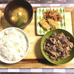 下味冷凍/舞茸/牛肉ときのこ/牛肉煮込み/美味しい/得意料理/... 本日の晩ごはん。  ◎牛肉と舞茸煮込み(…