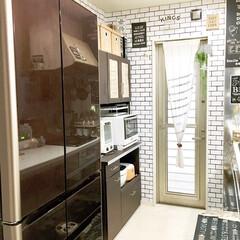 建売住宅/モノトーンインテリア/男前インテリア/サブウェイタイル風/壁紙DIY/タッカー/... 我が家は建売住宅なので 元々は真っ白な壁…