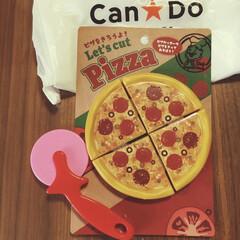 レトロ可愛い/ピザ/おままごと/おままごとグッズ/こどものいる暮らし/キャンドゥ/... おままごと遊びに夢中な2歳の娘と キャン…