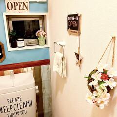 壁紙DIY/カフェ風インテリア/パステルピンク/春が来た/春雑貨/さくら/... トイレを春仕様に模様替えしました。  桜…