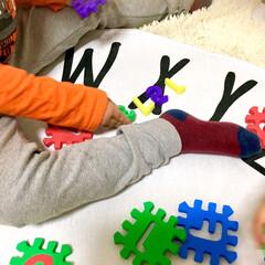 500円/パズル/英語学習/知育玩具/アルファベット/ポップな雑貨/... 3coinsの親子で楽しめるバスグッズシ…(2枚目)