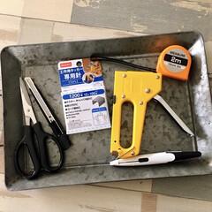 タッカー/壁紙リメイク/壁紙DIY/ダイソー/セリア/100均/... 壁紙リメイクする際に 使用しているお役立…