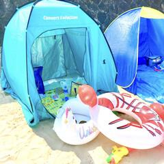 ビーチグッズ/片付け楽ちん/組み立て簡単/ワンタッチテント/テント/うみ/... 先週、友人家族と海水浴に行きました。  …