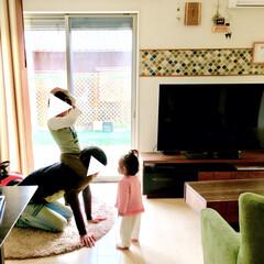 休日/お馬さん/パパ/1歳/4歳/こどものいる暮らし/... キッチンで作業をしていたら  リビングか…