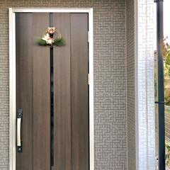 正月飾り/しめ縄リース/玄関/玄関ドア/建売住宅/お正月2020/... 明けましておめでとうございます。  玄関…