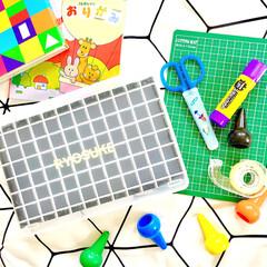 リメイクシート/100円/セリアリメイク/プチDIY/SIKIRI/工作材料/... 年中組の息子は工作遊びが大好きです。  …