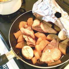 簡単料理/落し蓋/フライパン料理/ゆで卵/ぶり大根/こどものいる暮らし/... 子どもたちが好きな魚料理の1つが ぶり大…